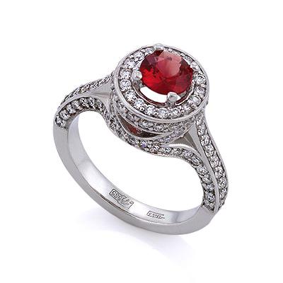 Золотое кольцо с оранжево-красным сапфиром и бриллиантами 6.29 г SLV-K379